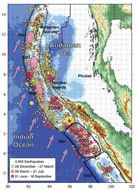 Rupture zones of the 26 December 2004 and 28 March 2005 great Sumatra earthquakes