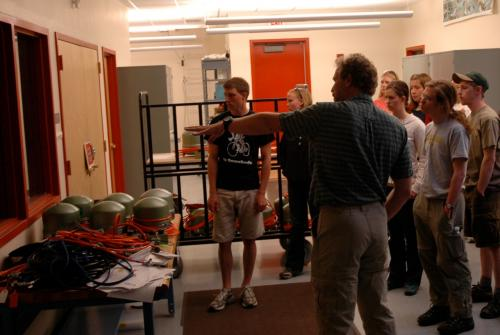 Rick Aster guides IRIS interns on a tour of the IRIS PASSCAL Instrument Center
